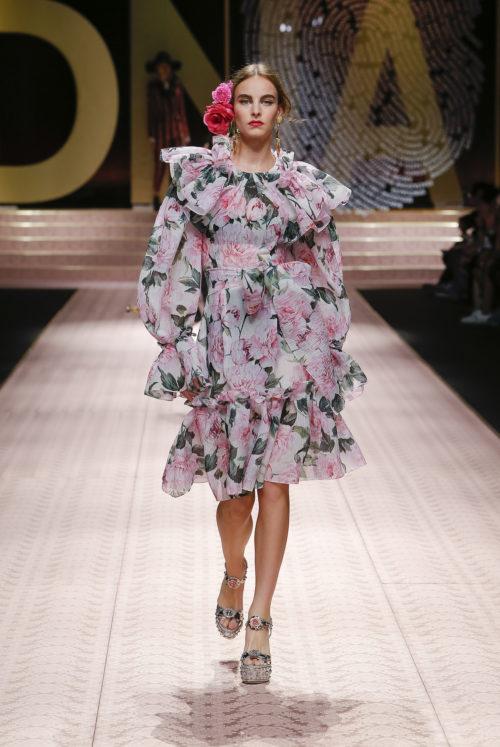 Cover 2 dolce-and-gabbana-summer-2019-women-fashion-show-runway-127