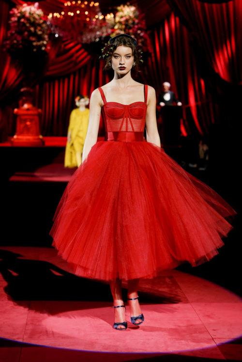 dolce-and-gabbana-fall-winter-2019-20-women-fashion-show-runway-70