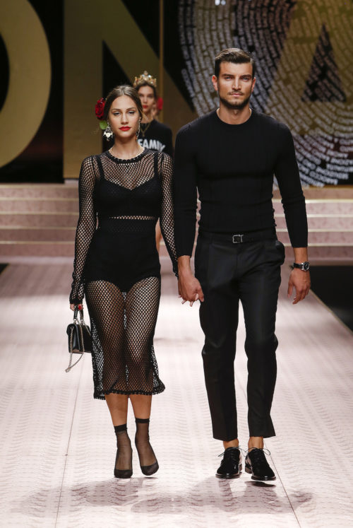 dolce-and-gabbana-summer-2019-women-fashion-show-runway-120