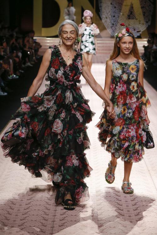 dolce-and-gabbana-summer-2019-women-fashion-show-runway-133
