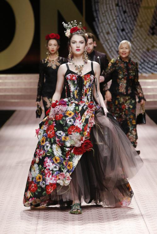 dolce-and-gabbana-summer-2019-women-fashion-show-runway-144