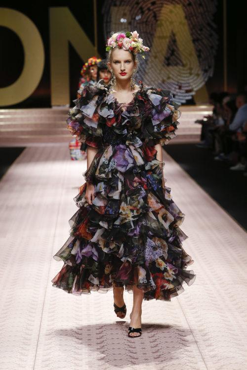 dolce-and-gabbana-summer-2019-women-fashion-show-runway-92