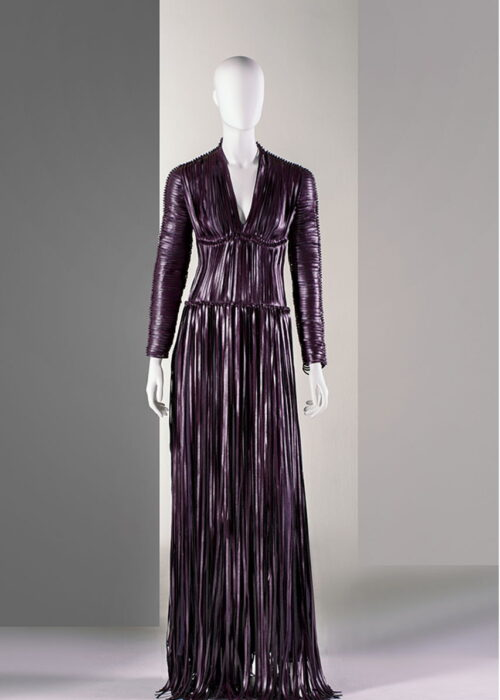 'Grape Dress' out of the material Vegea, an alternativ to leather made from the residual product from winne making © Vegea