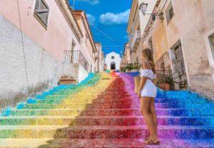 Arzachena Colorfall scalinata arcobaleno